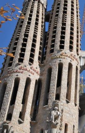 Sagrada_Familia_Towers4